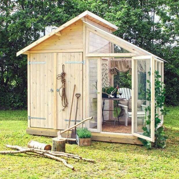 Садовый сарайчик с местом для отдыха