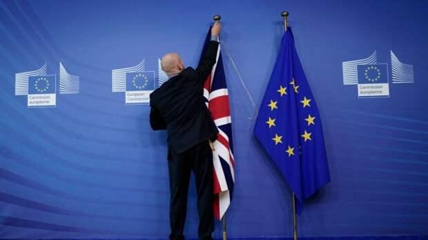 Недоговорились: ЕСпризвал готовиться кBrexit без соглашения оторговле