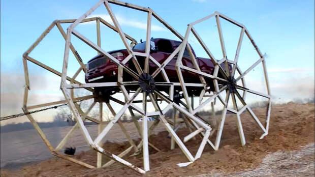 Поездка на пикапе с 6-метровыми колесами пошла не по плану