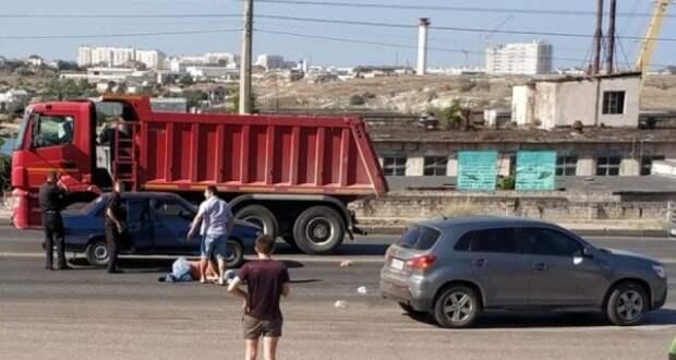 В Севастополе ВАЗ на скорости сбил пешехода (ФОТО)