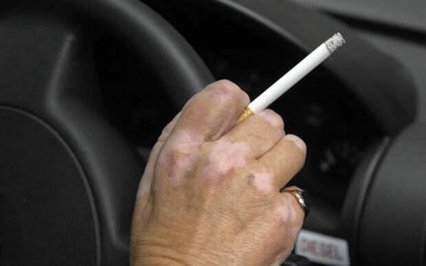 Правительство запретило выбрасывать окурки из машин. За это будут штрафовать