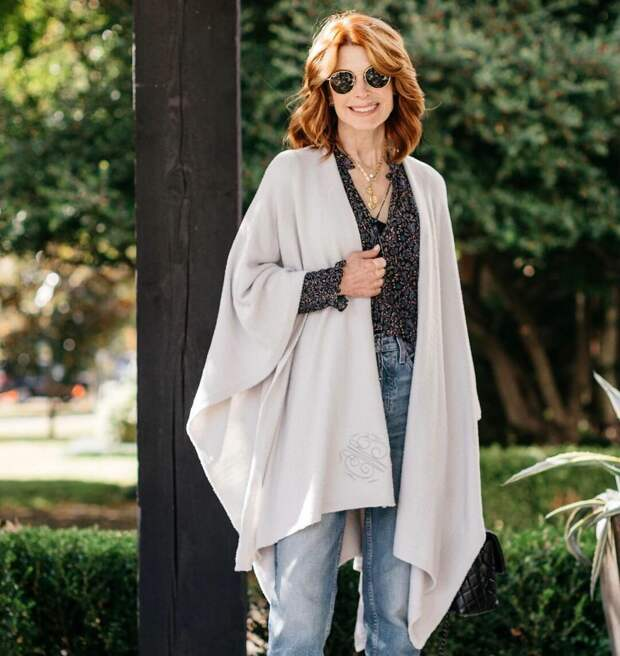 10 идей как правильно и стильно носить манто и с чем его можно сочетать