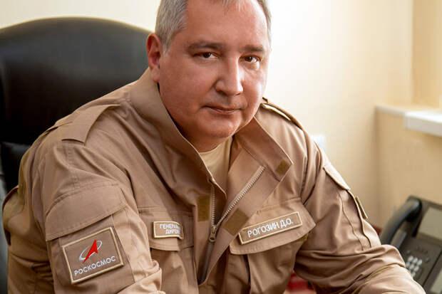Рогозин развеял миф о табличке на двери своего кабинета
