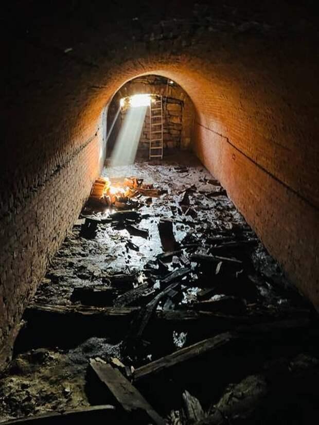 Американская пара нашла под своим новым домом старинный тоннель
