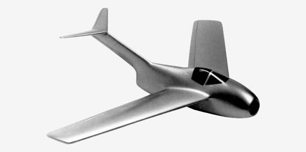 Коротенький фюзеляж Та.183 идлинное хвостовое оперение — попытка сделать самолёт полегче ипоменьше при недостаточной мощности двигателя. Полноценный хвост идлинный фюзеляж, какуМиГ-15 илиF-86 Sabre, куда лучше совсех точек зрения