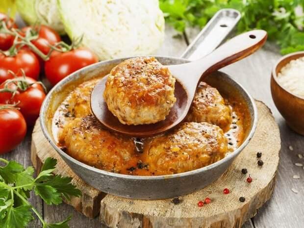 Аппетитные котлеты из индейки с оливками. \ Фото: smak.ua.