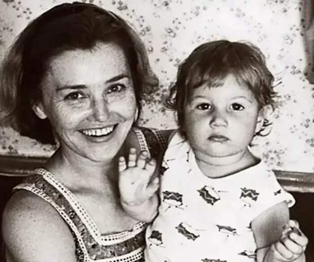 Почему не сложилась личная жизнь Жанны Прохоренко