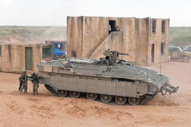 БТР Namer: самый тяжёлый бронетранспортёр в мире