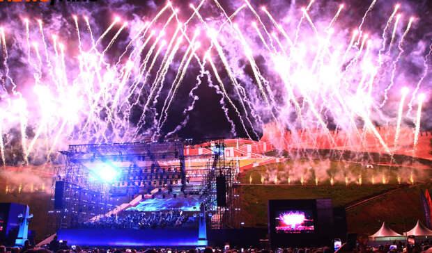 Фоторепортаж: Чкаловскую лестницу вНижнем Новгороде открыли концертом Мариинки