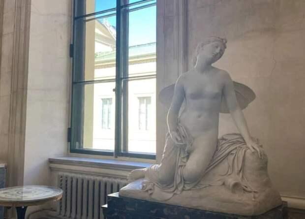 Эрмитаж вернул в экспозицию две скульптуры XIX века