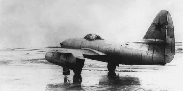 Попытки довести доума компоновку Ме.262 — вроде советского перехватчика Су-9 — успеха также непринесли
