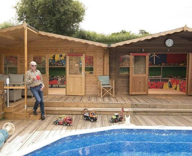 Первый домик Джефф Пайк построил 12 лет назад для хранения конструктора LEGO, вскоре коллекции потребовалось больше места Лучший сарай года, идея, конкурс, сарай, строитель, финалист, фото
