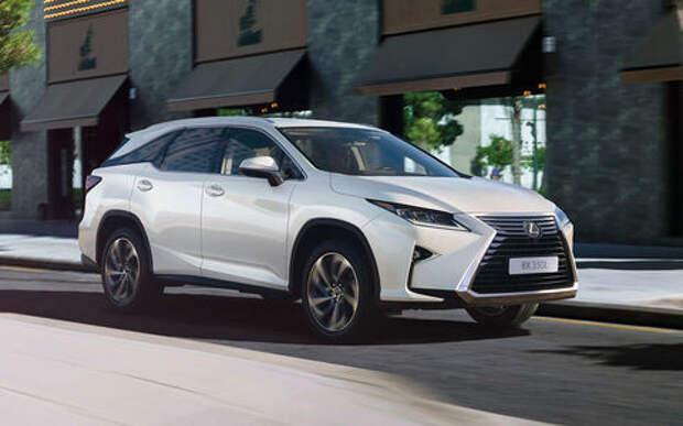 Lexus поднял цены в России