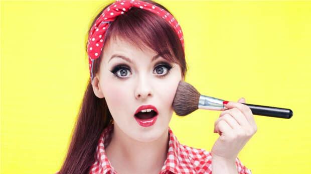 Болезнетворный макияж: какие бактерии прячутся в вашей косметичке