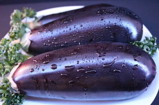 Открыла для себя новый салат с баклажанами, уже неделю готовлю его каждый день и не надоедает
