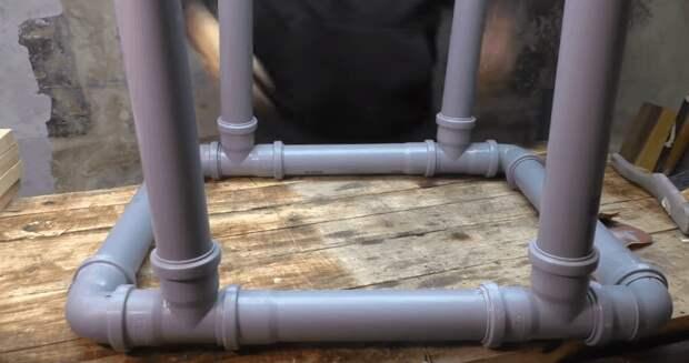 Эффектный предмет интерьера из остатков труб