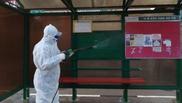 В Подольске начали очищать остановочные комплексы от грязи и пыли