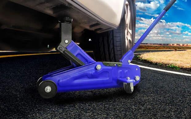 Хочешь подкачать колесо – домкрать машину! Развенчиваем миф
