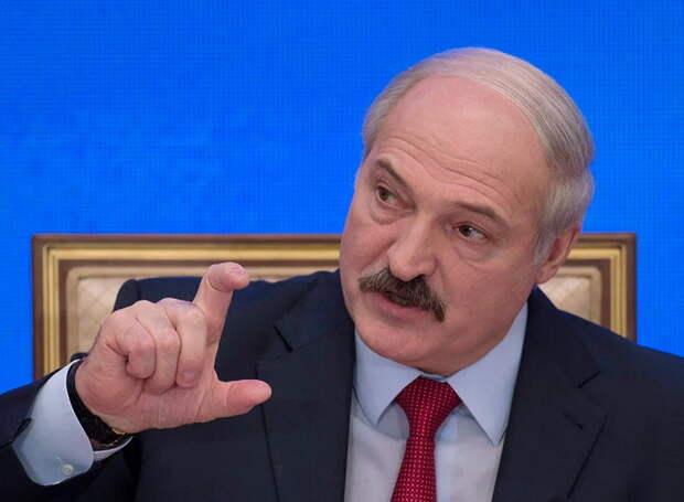В России, в странах Азии и Европы одни глупцы. Самый умный сидит в Минске и его действия вызывают тревогу
