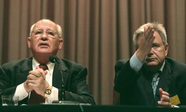Распните меня здесь Илья Жегулев рассказывает, как и на что первый президент СССР Михаил Горбачев живет после отставки