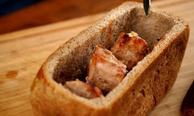 Помещаем шашлык в хлеб: сытная закуска для отдыха