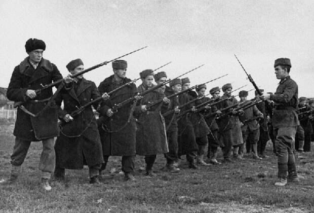 Почему немцы так боялись советских штыков
