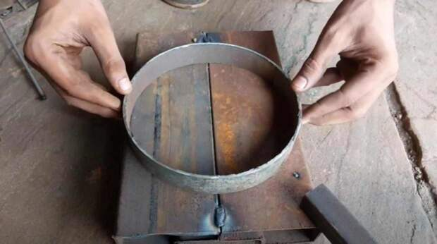 Как сделать универсальный гибочный станок для работы с металлом