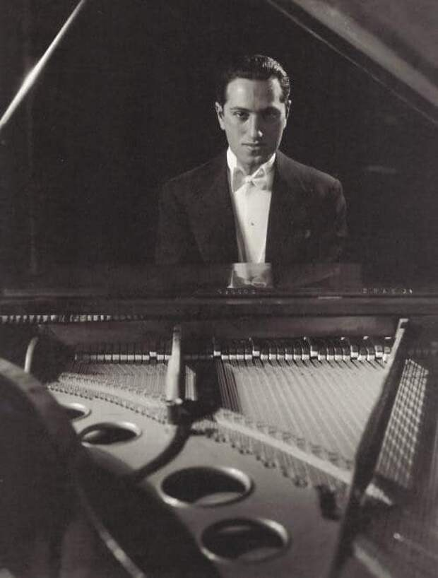Композитор и пианист Джордж Гершвин. США, 1931 год.