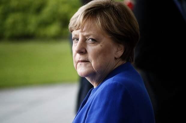 В жертву Меркель приносят старейшую партию Германии