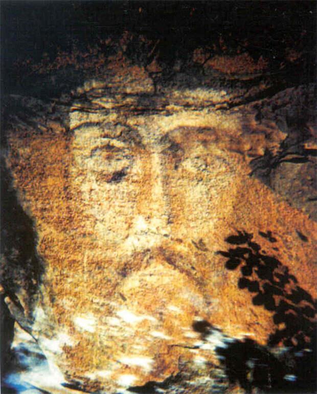 Архызская наскальная икона