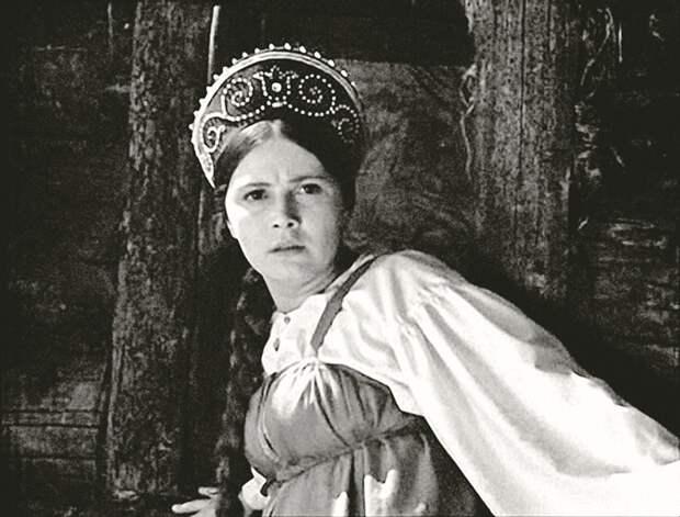 Семья или слава? Судьбы красавиц советского кино, бросивших карьеру ради детей
