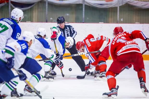 Хоккеисты «Ижстали» уступили на своём льду «Горняку» из Башкирии