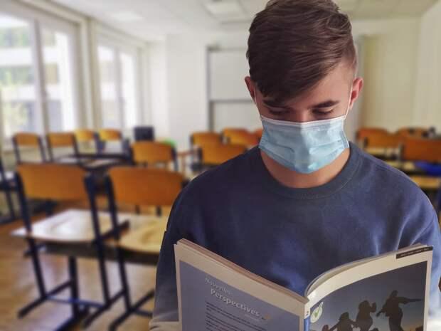 Вирусологи спрогнозировали сроки отмены масочного режима