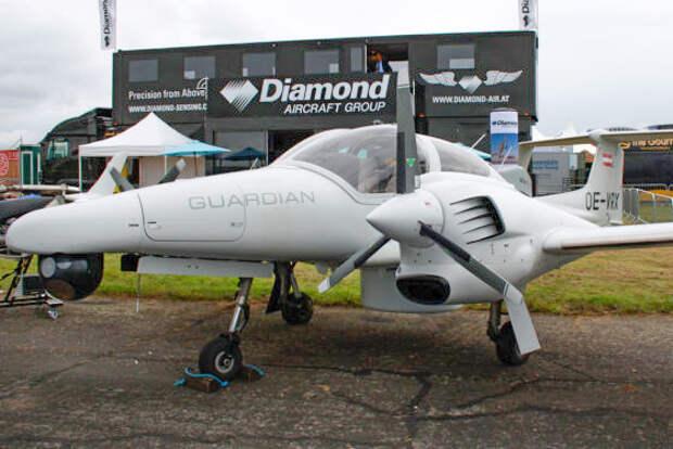 ФСБ России закупает два легких разведывательных самолета Diamond DA42M-NG