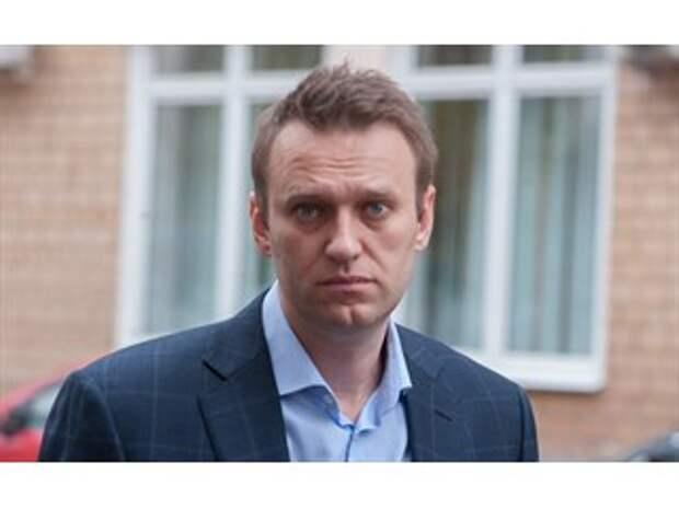 """Зачем Кремль помогает раскручивать Навального как """"главного оппозиционера"""""""