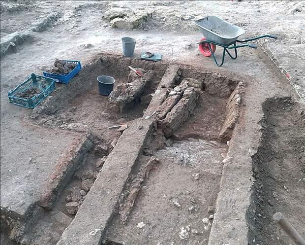 В Севастополе обнаружили античную керамическую мастерскую