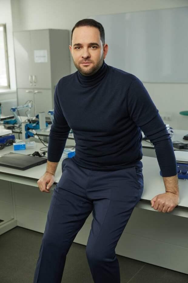 Профессор РАН Мажуга: Россия вкладывает миллиарды рублей в развитие молодежных лабораторий. Автор фото: Данил Головкин