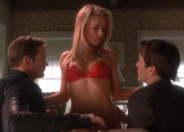 10 конфузов, случившихся со звездами во время съемок секс-сцен