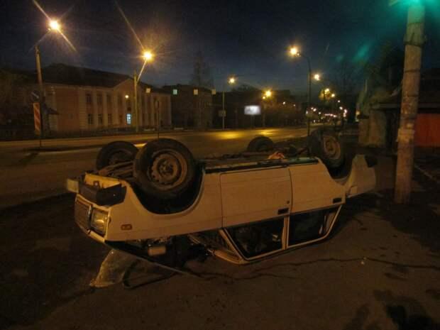 Пьяный водитель перевернулся на улице Промышленной в Ижевске