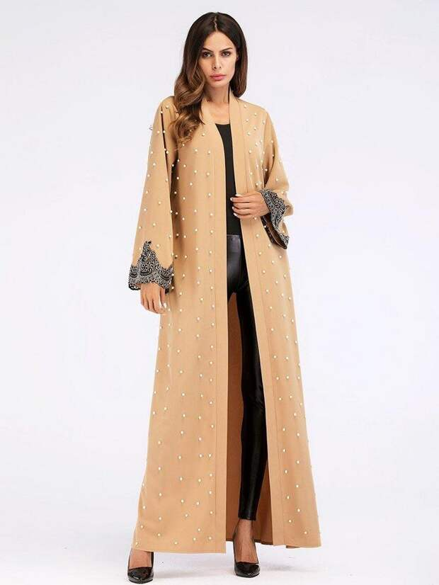 Альтернатива «косухе» и тренчу: весеннее пальто-кафтан в стиле этно