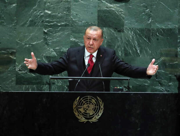 Эрдоган создает себе образ отца тюркских народов