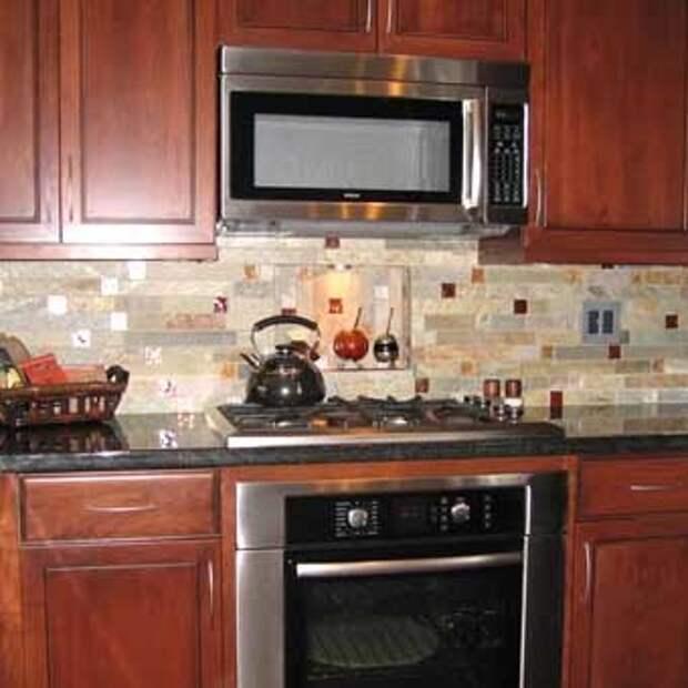 рабочая стенка на кухне с мозаикой
