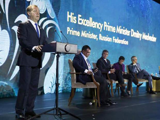 «Маниловщина» Медведева: Экономика растет, бизнес развивается