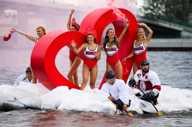Шоу самодельных плавательных конструкций в Санкт-Петербурге