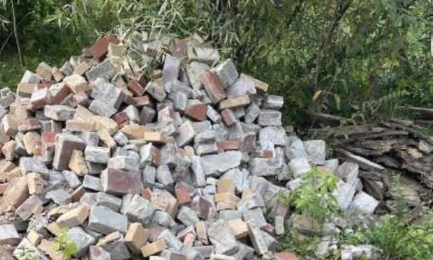 «Монблан» строительного мусора разобрали на Новогорской