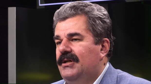 Леонков разъяснил военную часть послания Путина шуткой о непрошеном госте