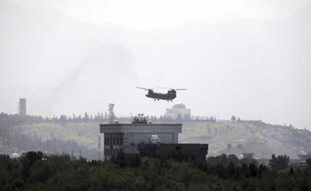 С белым флагом «Талибана» * на распластанном крыле Cessna набирает высоту