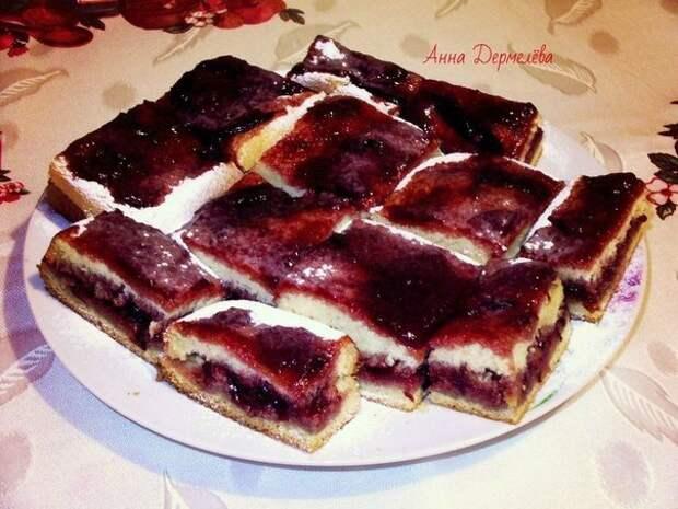 Очень быстрый и простой сливовый пирог с приятной кислинкой