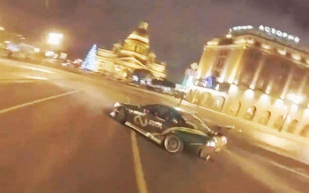 Спасибо соцсетям: ГИБДД наказала гонявшего на Исаакиевской площади дрифтера