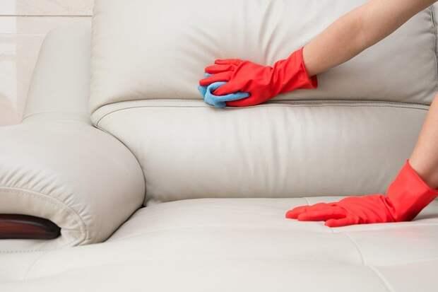 14 действий, которыми вы каждый день «убиваете» свой любимый диван